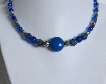 Blue Acrylic and Silver Short Beaded Necklace