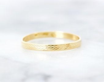 Vintage Eternity Wedding Band, Dainty Wedding Ring, 18k Yellow Gold Skinny Thin Stacking Ring, Geometric Ring, Fine Estate Jewelry Size 7.75