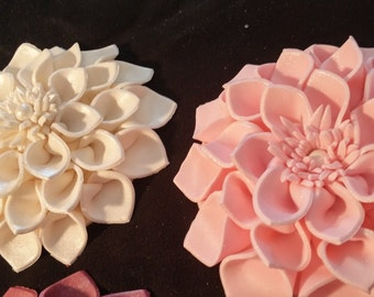 1 large dahlia  / Cake decoration / Edible flower / sugar flower / wedding cake decoration