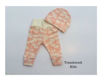 Baby leggings and hat in size 0-3 months.