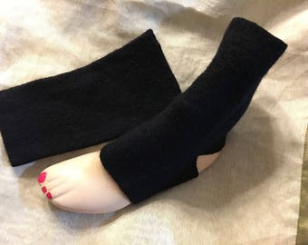 E47 black merino wool felt Yoga socks woman girl toeless sock heeless sox upcycled wool weater hand Sewn Mcleodhanccraftgifts etsy