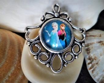 Queen of snow 30 mm, little girl cartoon Cabochon pendant