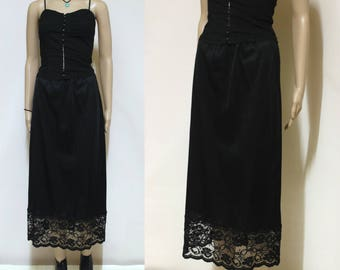 Black Lace Petticoat Slip Skirt 70s Vintage Lingerie Mid Length Seventies Grunge Vtg 1970s Retro Size S-M small Medium