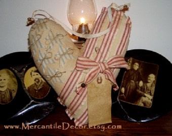 Americana Door Hanger, Patriotic Door Hanger, Grungy Heart  ~ Patriotic Wreath, Prim Wreath ~