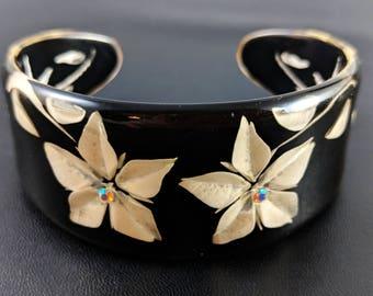 Vintage Lucite Chunky Cuff Bracelet 1980's 3D Effect Cuff Bracelet