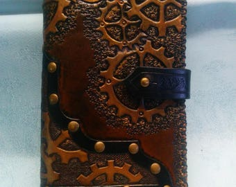 Stationery case STEAMPUNK leather 9 x 15.2 cm fully engraved, painted and sewn by hand, integrated bookmark, Velvet lining