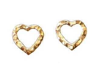 Gold small heart earrings, hammered studs, tiny earring, plain jewelry, girl earring, valentine's gift under 15, women post, brass earrings