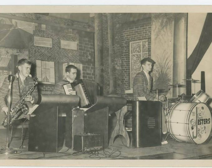 "The ""Jesters"" On Stage, c1940s-50s: Vintage Snapshot Photo (710613 O/S)"