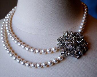 Broche collier de mariée, collier de perles de Swarovski blanc, Fleur Strass broche, Style Vintage, mariage collier, 2 brins, mariage d'hiver