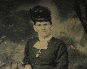 1800s Victorian TINTYPE portrait of a lady, ferrotype photograph.