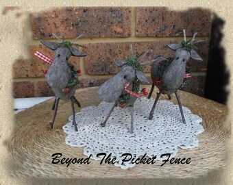 Reindeer * Primitive * Country * Christmas Decoration * Handmade * Felt * Table Decor * Ornament