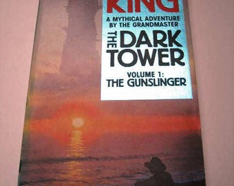Stephen King. The Dark Tower Vol 1. The Gunslinger. 1st 1989 Sphere Paperback printing FULL number line. Unread in almost like new condition