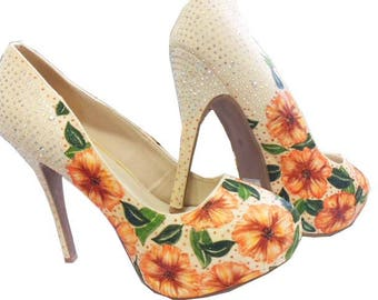 Floral Kiss & Tell Pumps Hand Painted Size 10
