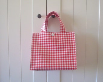 Beth's Gingham Oilcloth Lunch Box