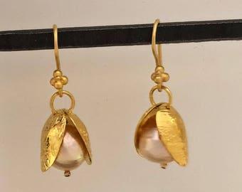 Peach gold pearl earrings