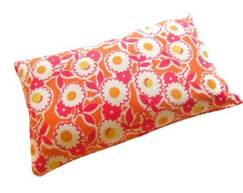 Daisy Emery Pincushion filled with Emery Sand