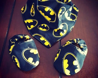 Batman booties and bib set
