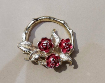 Vintage Gerry s rose wreath brooch gold