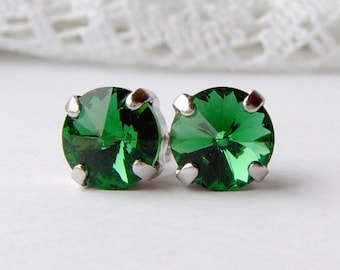 Turmaline green rhinestone stud earrings / 8mm / forest green / gift for her / girlfriend gift / rivoli rhinestone / unique / bridesmaid