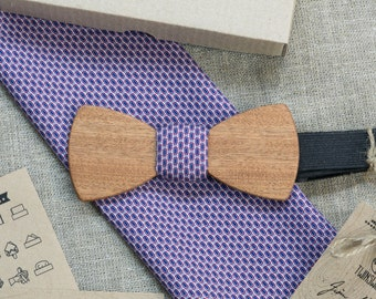 Sapele Wood bowtie classic  style + pocketsquare Any personal engraving wooden bow ties. Men Accessories. Groomsman  / xmas / bday gift.