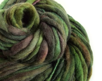 Chunky yarn merino wool yarn hand dyed yarn handspun yarn chunky wool bulky yarn weaving yarn thick and thin yarn chunky art yarn green yarn