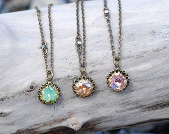 Crystal Dot Necklace, Tiny Crystal Station Necklace, Delicate Necklace, Dainty Necklace, Tiny Necklace, Simple Pendant, Boho Necklace N1297