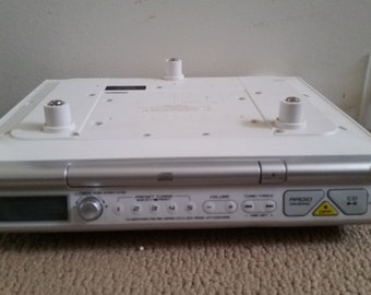 SONY Under Cabinet  Radio / Clock / CD Player Model ICF CD543RM . Silver / White