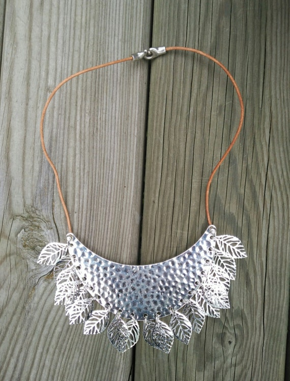 SILVER metal LEAVES NECKLACE
