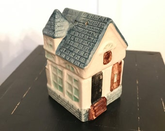 Vintage Stackable Two Story House Salt and Pepper Shakers | Made in China