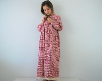 Childs traditional nightdress 8-9yrs SALE nightgown nightie vintage long dress gown pink raspberry flower floral old fashion nightwear
