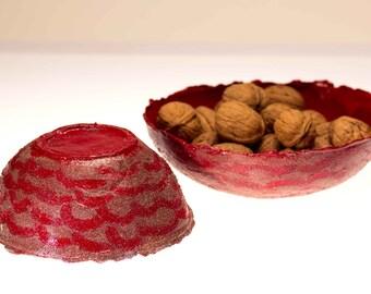 Coppia ciotole rosse con glitter e sabbia. Lavorazione artigianale in cartapesta, materiale naturale.Decorazione moderna, utile svuotatasche