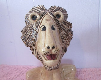 """Vintage """"Lion pottery"""" handmade / Lion made by hand"""