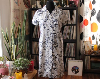 1960s 70s vintage shirt dress, womens size large . floral print button front dress