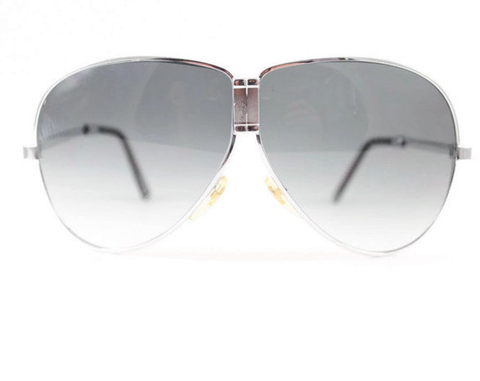 Vintage 1980s Cool Silver Fold Away Aviator Sunglasses with Dark Grey Ombre Lenses - Top Gun Silver XX