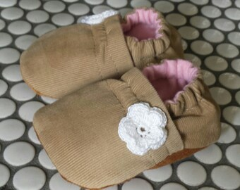 baby shoes girl, ready to ship baby shoes, soft sole baby shoes, girls shoes, tan baby booties, leather baby shoes, baby shower gift