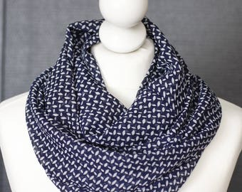 Infinity scarf // Snood navy blue peas