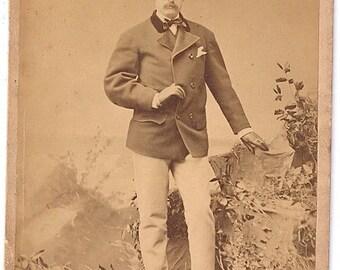 Sarony cabinet card opera or theater star dashing photo