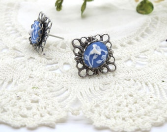 Antique Silver Filigree Floral Cameo Stud Earring in China Blue Morning Glory