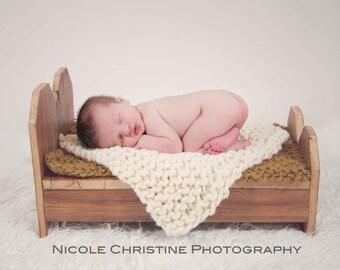 KNITTING PATTERN Chunky Mini Blanket Photo Prop, Newborn Mat, Instant Download