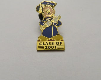Disney DL Class of Mickey Mouse Graduation Pin