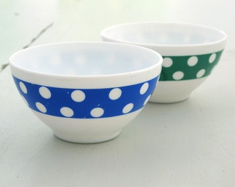 Set of 2 opal white glass bowl , milk glass bowls , polka dots, White Blue and Green , Arcopal French vintage  , 1970s seventies