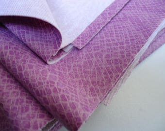 Coupon - 30x50cm - lilac - faux leather snake skin-
