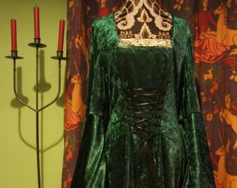 Beth Dress in grün, Gothic, Celtic, Mittelalter, Hexe Kleid. Größen bis UK 16