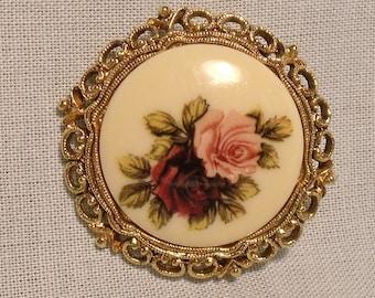 Round Gold Tone Filigree Framed Pink Rose Pin Brooch