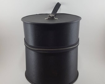 Vintage Round Black Carry Case