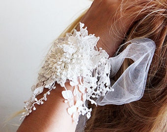 Wedding Cuff, Wedding Lace Cuff, White Tassels Lace, Bridal Bracalet, Wedding  Bracalet, Wedding, Bridal Accessories