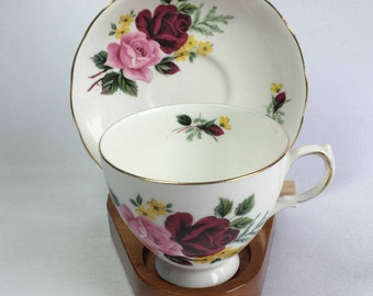 Queen Anne by Ridgway 8289 Red and Pink Roses with Tiny Yellow Flowers Bone China Cup and Saucer