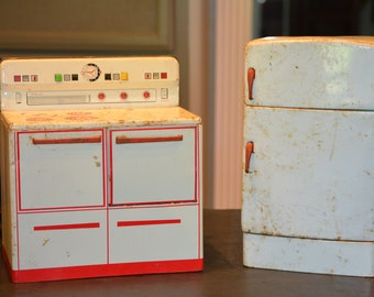 Wolverine Co. Toy Stove and Refrigerator
