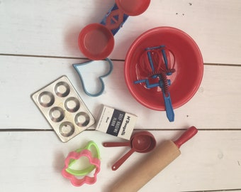 1950s/60s children's toy kitchen/cookery toys