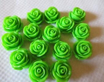 CAMEES FLEURS VERTES lot de 15 camées 2 cm motif roses fleurs en résine couleur vert gazon a coller sur tous supports